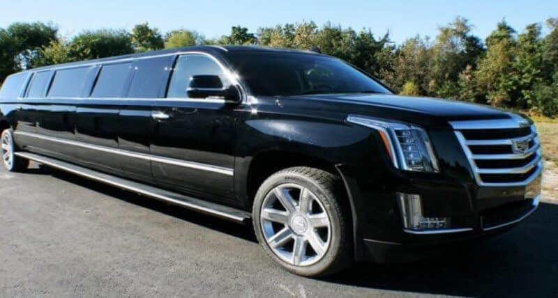 Head Back Home in our Luxury Limo