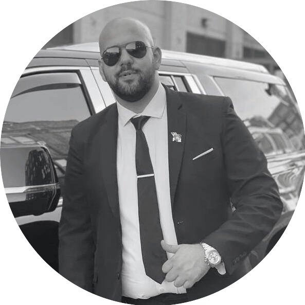 Omar Chauffer Manager