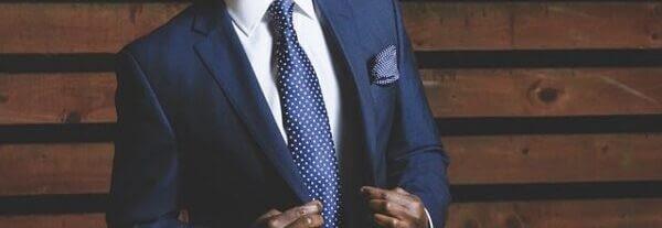suit-690048_640